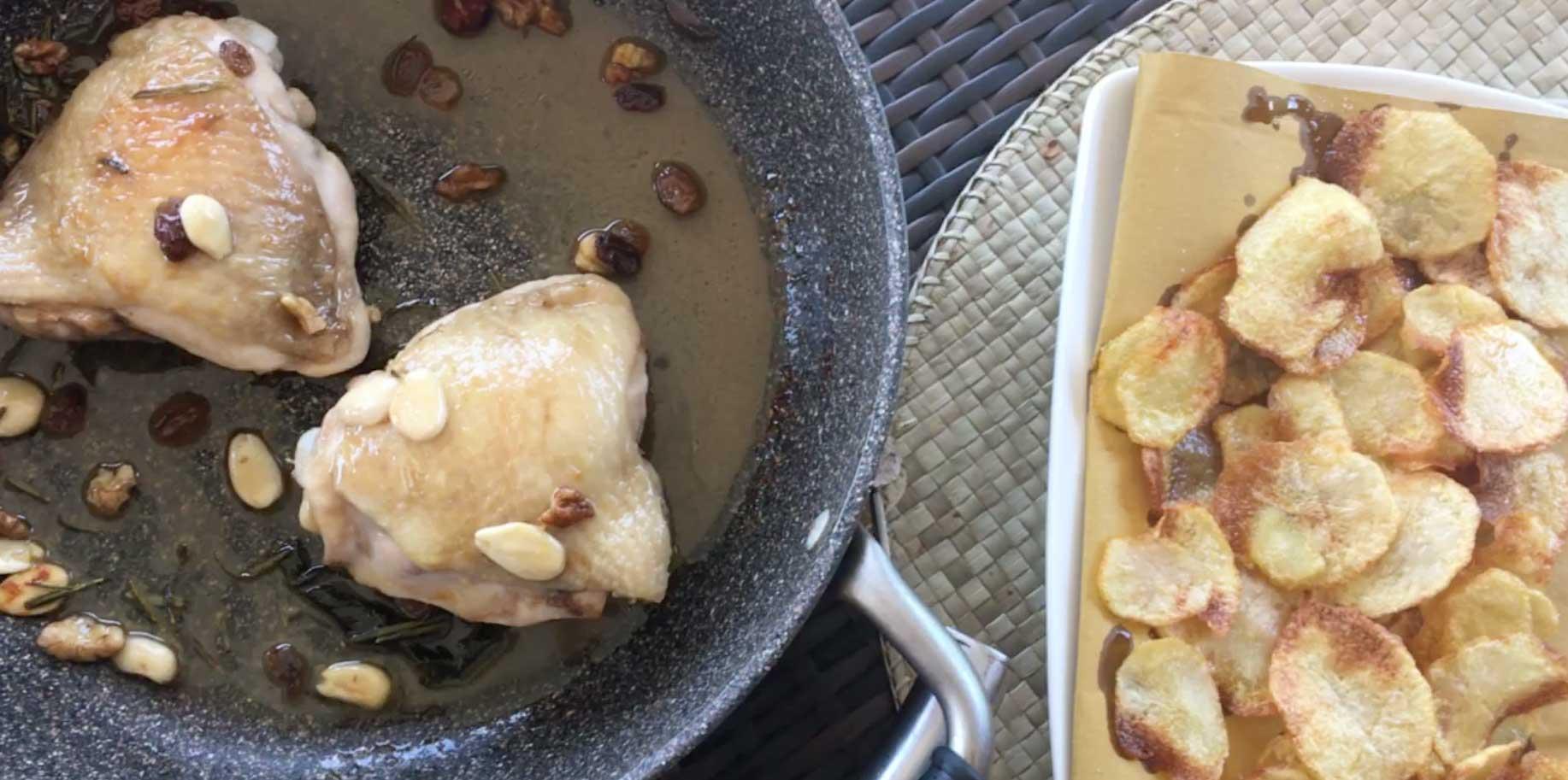 Sovracosce di pollo mandorle e uvetta